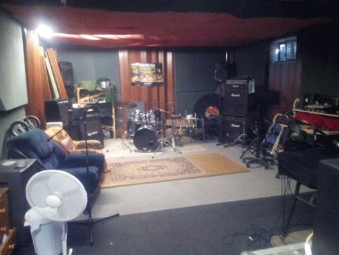 Picture of the old recording studio buenaondastudioberlin at greenhouse in berlin